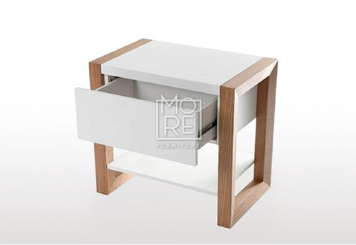 Como Oak Veneer Bedside Table