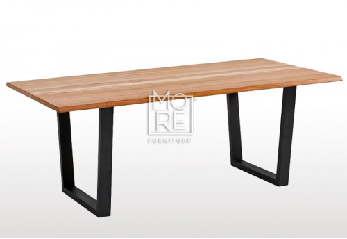 Maine Tassie Oak Timber 2m Dining Table